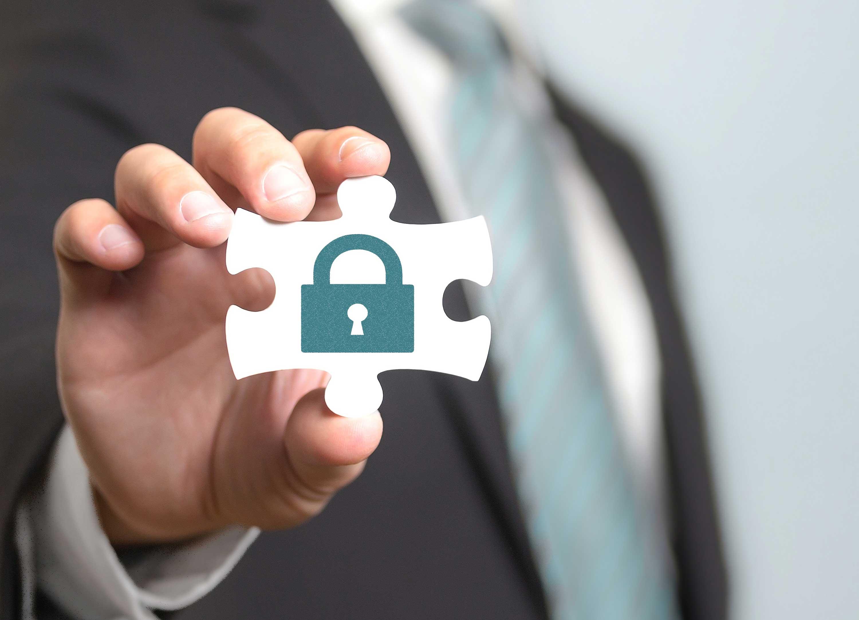 Toda la protección y la máxima seguridad de tu información y la de tus clientes siempre bajo control y protegido gracias a que uSell CRM es una solución crm cloud 100%