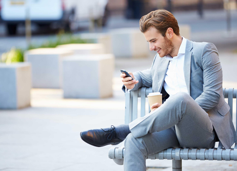 Consigue la transformación digital de tu empresa gracias a implantar soluciones crm que traen la movilidad empresarial a los negocios para que los trabajadores sigan trabajando fuera de la oficina, desde cualquier lugar y en cualquier momento, gracias a uSell CRM